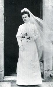 Elisabeth le jour de sa prise d'habit mariée avec Jésus